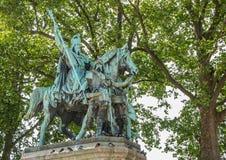 Standbeeld van Charlemagne en zijn Vassall bij La Citï ¿ ½ van Ile DE in Parijs stock afbeelding