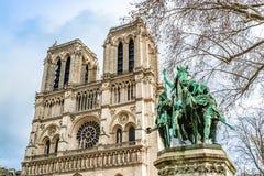 Standbeeld van Charles Grote Charlemagne voor Cathed stock afbeelding