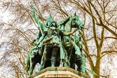 Standbeeld van Charles Grote enkel buiten gesitueerde Charlemagne stock fotografie