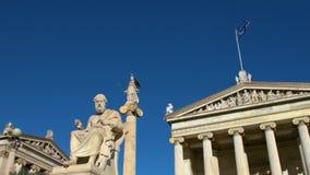 Standbeeld van de Griekse filosoof Plato stock footage