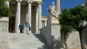 Standbeeld van de Griekse filosoof Socrates stock videobeelden