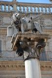 Standbeeld van de leeuw van het Teken van Heilige, Piazza Erbe, Verona Royalty-vrije Stock Foto's