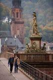 Standbeeld van de oude brug Stock Foto