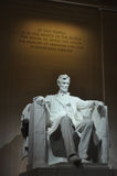 Standbeeld van de V.S. President Abraham Lincoln binnen Lincoln Memori Stock Fotografie