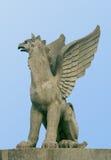 Standbeeld van een griffioen Stock Fotografie