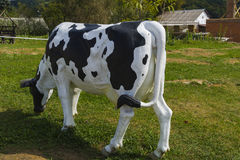 Standbeeld van een koe Dichte omhooggaand van het hoofd van een koe Stock Fotografie