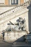 Standbeeld van God Nijl Stock Afbeelding