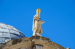 Standbeeld van Heilige Blaise op de Kerk van St Blaise in Dubrovnik, Royalty-vrije Stock Foto