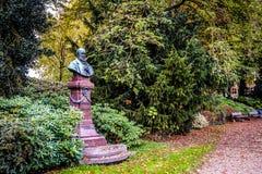 Standbeeld van historisch cijfer Potgieter in Zwolle stock foto