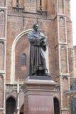 Standbeeld van Hugo Grotius in Delft, Stock Afbeelding