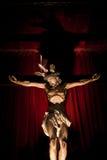 Standbeeld van Jesus in het kruis Stock Foto