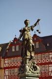 Standbeeld van Justizia in Romer in Frankfurt Royalty-vrije Stock Afbeeldingen