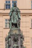 Standbeeld van Koning Charles IV in Praag stock fotografie