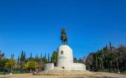 Standbeeld van koning Constantine op een paard bij de centrale ingang van Pedio-tou Areos, Athene, Griekenland stock afbeelding