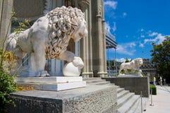 Standbeeld van leeuw Stock Afbeeldingen