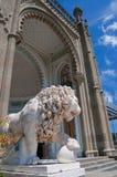 Standbeeld van leeuw Stock Fotografie