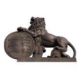 Standbeeld van leeuw bij Nieuw Kasteel in geïsoleerdn Stuttgart Stock Foto's