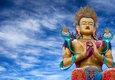 Standbeeld van Maitreya Boedha dichtbij Diskit-Klooster in Nubra-vallei, royalty-vrije stock foto