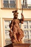 Standbeeld van Minerva in Romer in Frankfurt Stock Foto's