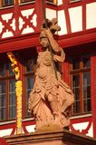 Standbeeld van Minerva in Romer in Frankfurt Stock Fotografie