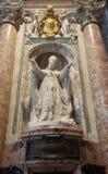 Standbeeld van paus Pio X in St. Peter Basiliek. Stock Afbeelding