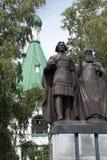 Standbeeld van Prins George Vsevolodovich en Heilige Simon van Suzdal, de stichters van Nizhny Novgorod in de gronden van het Kre royalty-vrije stock foto's