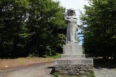 Standbeeld van & x22; Radegast& x22; & x28; god van Slavische mythology& x29; op een Moravian-berg RadhoÅ ¡ Å¥ stock foto's