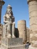 Standbeeld van Ramses 2 bij Luxor-tempel Royalty-vrije Stock Foto's