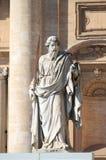 Standbeeld van Saint Paul de Apostel stock foto