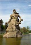 Standbeeld van Sovjetmilitair bij de Status aan het Doodsvierkant Herdenkings complexe Mamayev Kurgan in Volgograd Stock Foto's