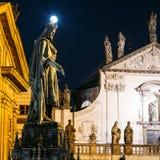 Standbeeld van Tsjechische Koning Charles Iv In Prague, Tsjechische Republiek Royalty-vrije Stock Foto's
