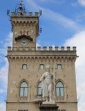 Standbeeld van Vrijheid in belangrijkst vierkant San Marino in Centraal Italië Royalty-vrije Stock Foto