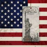 Standbeeld van Vrijheid & de Zonsondergang van de Stad van New York De V.S. Stock Afbeeldingen