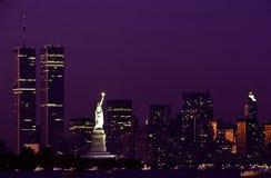 Standbeeld van Vrijheid en WTC Stock Fotografie