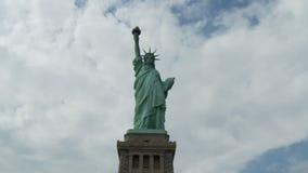 Standbeeld van Vrijheid in New York - Tijdtijdspanne stock video