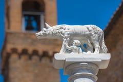 Standbeeld van Wolf With Romulus en Remus in Rome, Italië Royalty-vrije Stock Foto's