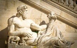 Standbeeld van Zeus stock afbeeldingen