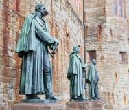 Standbeelden bij Hohenzollern-Kasteel Burg Hohenzollern stock afbeeldingen