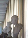 Standbeelden binnen het Paleis van Fontainebleau, Frankrijk Stock Foto's
