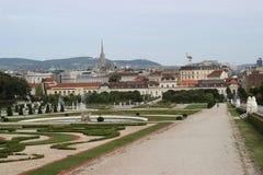 Standbeelden in de Belvederegarten-tuin Wenen Royalty-vrije Stock Fotografie