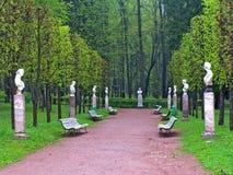 Standbeelden in het park Stock Fotografie
