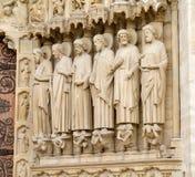 Standbeelden in Notre-Dame Royalty-vrije Stock Afbeeldingen