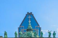 Standbeelden op de kathedraal-Basiliek van Mary Royalty-vrije Stock Foto