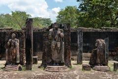 Standbeelden in oude tempel, Polonnaruwa, Sri Lanka. Royalty-vrije Stock Afbeeldingen