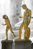 Standbeelden in Peterhof, St. Petersburg Royalty-vrije Stock Afbeeldingen