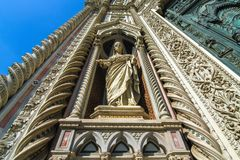 Standbeelden van de Kathedraal van Santa Maria in Florence stock afbeeldingen
