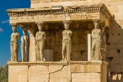 Standbeelden van de portiek van kariatiden op de Akropolis royalty-vrije stock fotografie
