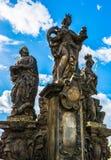 Standbeelden van Heiligen Barbara, Margaret en Elizabeth op Charles Bri royalty-vrije stock foto