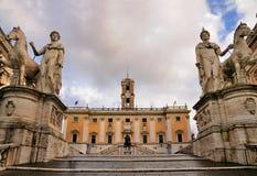 Standbeelden van het Capitool, Rome stock afbeeldingen