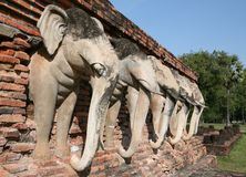 Standbeelden van olifanten Stock Foto